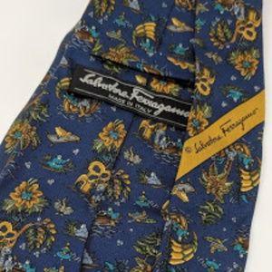Ferragamo silk tie, made in Italy